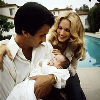 When I was a baby like Willow @alanakstewart @georgehamilton