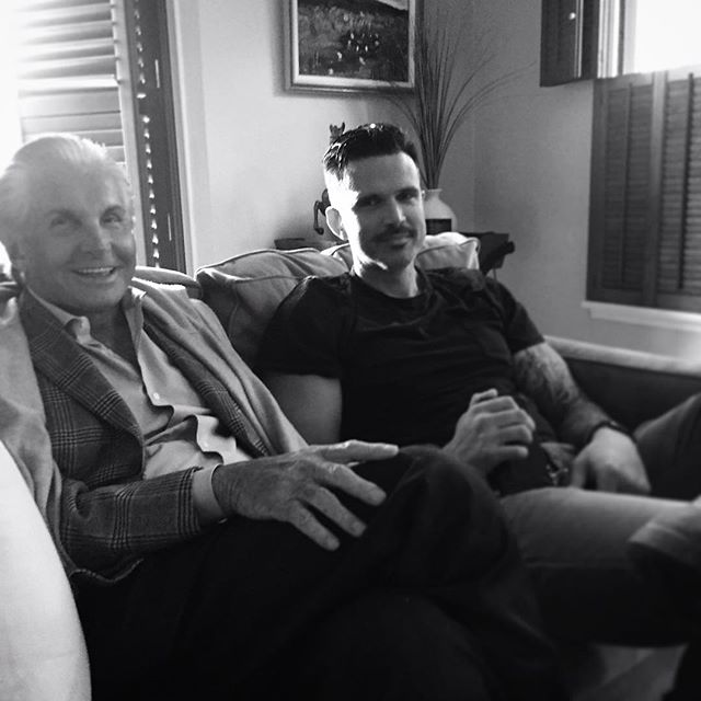Just 2 dudes hanging out, and watching the @georgehamilton